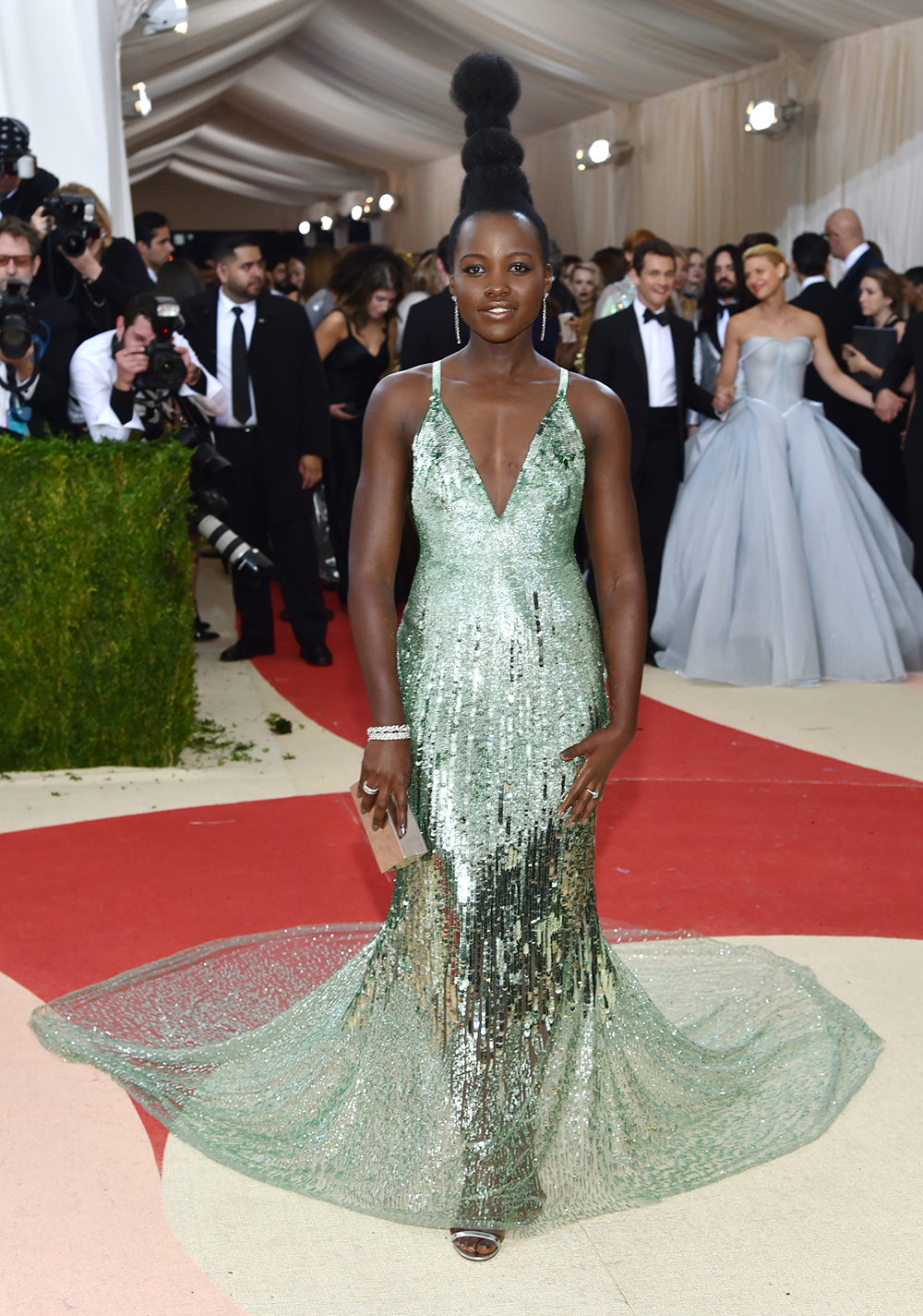 Mandatory Credit: Photo by Andrew H. Walker/REX/Shutterstock (5669035me) Lupita Nyong'o The Metropolitan Museum of Art's COSTUME INSTITUTE Benefit Celebrating the Opening of Manus x Machina: Fashion in an Age of Technology, Arrivals, The Metropolitan Museum of Art, NYC, New York, America - 02 May 2016