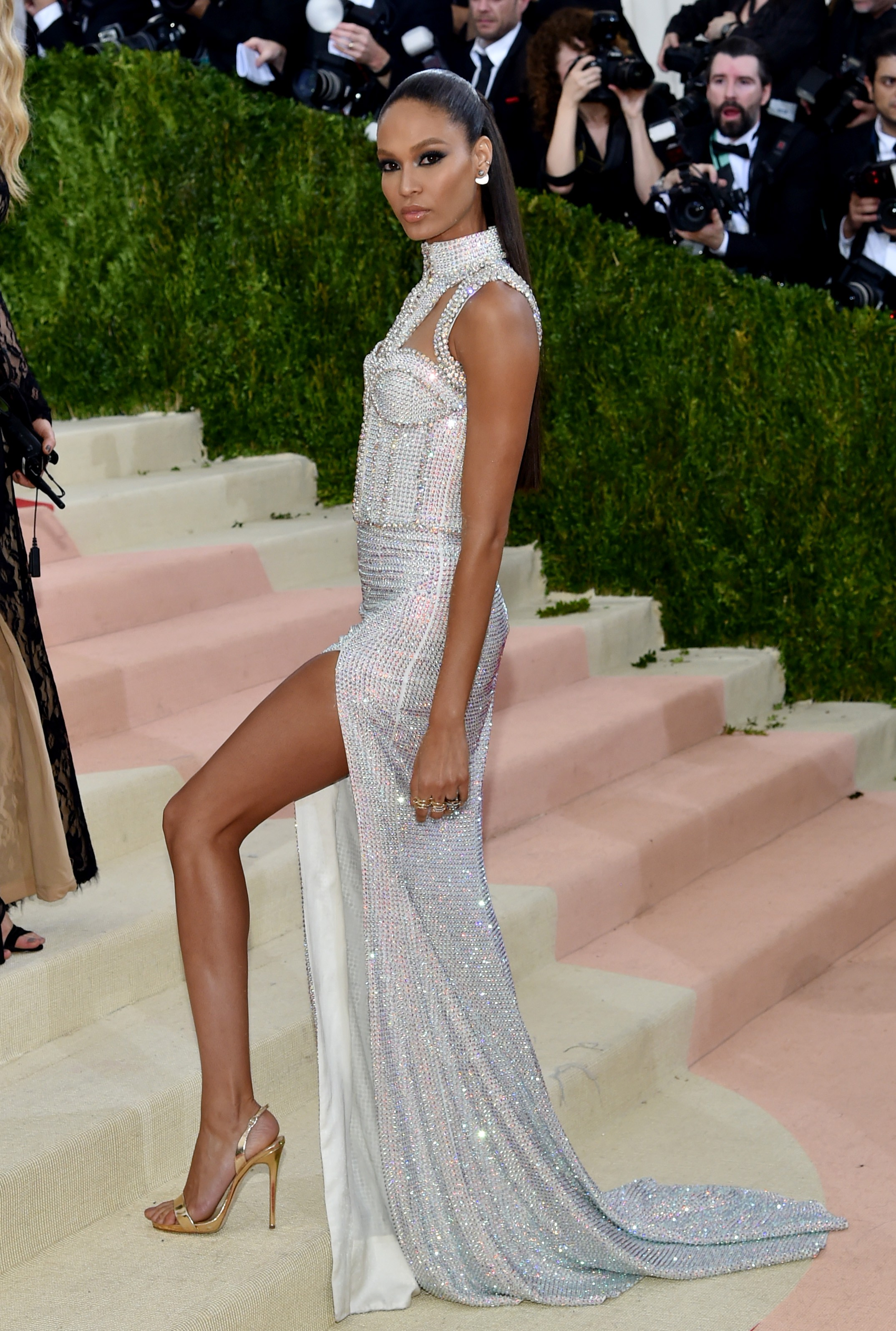 Mandatory Credit: Photo by Andrew H. Walker/REX/Shutterstock (5669035pv) Joan Smalls The Metropolitan Museum of Art's COSTUME INSTITUTE Benefit Celebrating the Opening of Manus x Machina: Fashion in an Age of Technology, Arrivals, The Metropolitan Museum of Art, NYC, New York, America - 02 May 2016