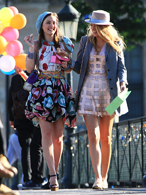 Blair-and-Serena-in-Paris